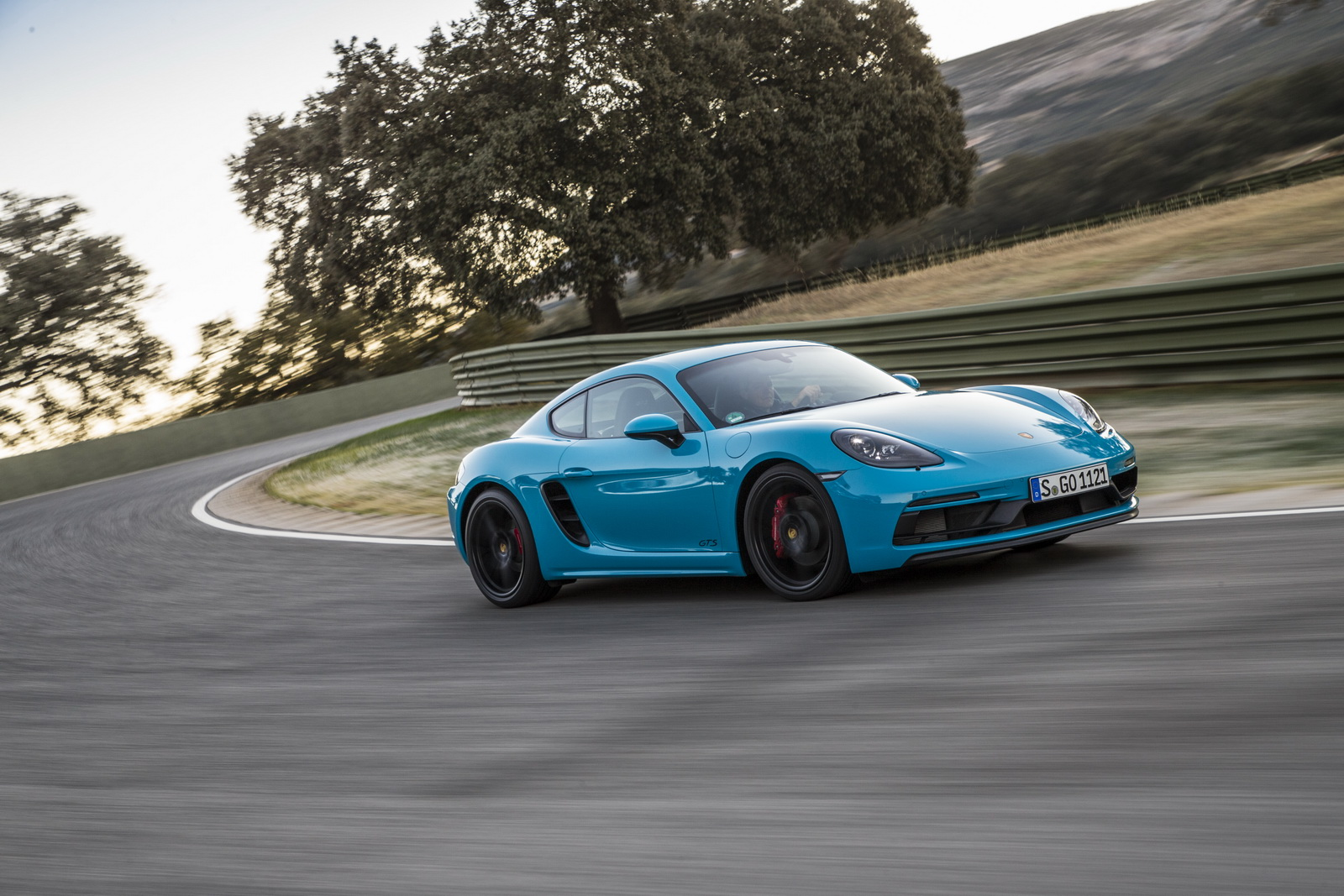 new porsche 718 cayman and boxster gts detailed in 85 pics. Black Bedroom Furniture Sets. Home Design Ideas