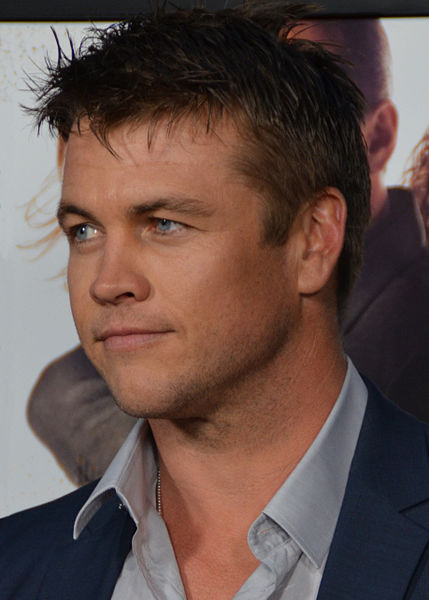 Luke_Hemsworth_Premiere_of_Kill_Me_Three_Times_(cropped)