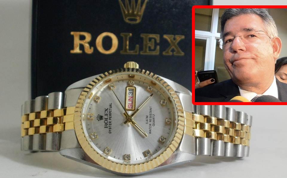 8f1faa898f86 Sabes cuanto cuesta el reloj que le robaron al ex ministro Díaz Rúa ...