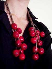 Delphine R2M-La Fille du Consul : Collier-écharpe de cerises