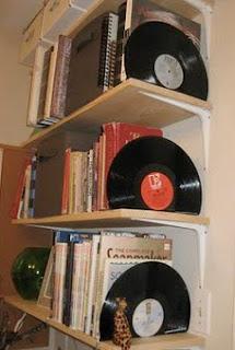 http://translate.googleusercontent.com/translate_c?depth=1&hl=es&rurl=translate.google.es&sl=en&tl=es&u=http://amylulita.blogspot.gr/2010/06/diy-project-vinyl-record-bookends.html&usg=ALkJrhjE059bTXKRqtQ9UjMmc_SAIqpT7A