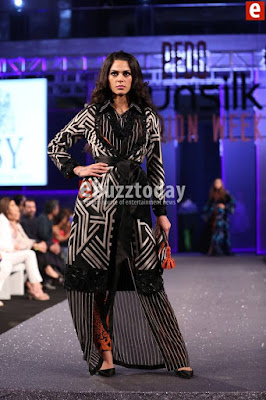 Hsy-paranoia-collection-2017-at-pfdc-sunsilk-fashion-week-5