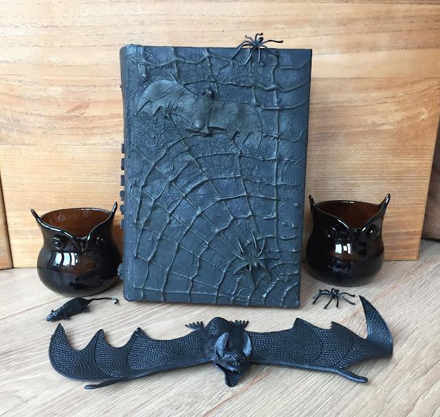 Altered book: Heksenboek voor Halloween