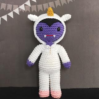 amigurumi-vampiro-unicornio-patrón-halloween