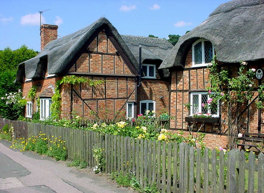 20 amazing and beautiful fairy tale cottages for Beautiful cottages pictures