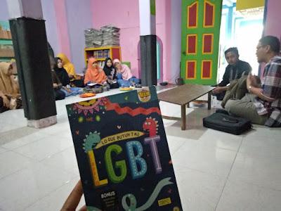 Bersama Kak Sinyo FLP Jombang Bedah Buku LGBT