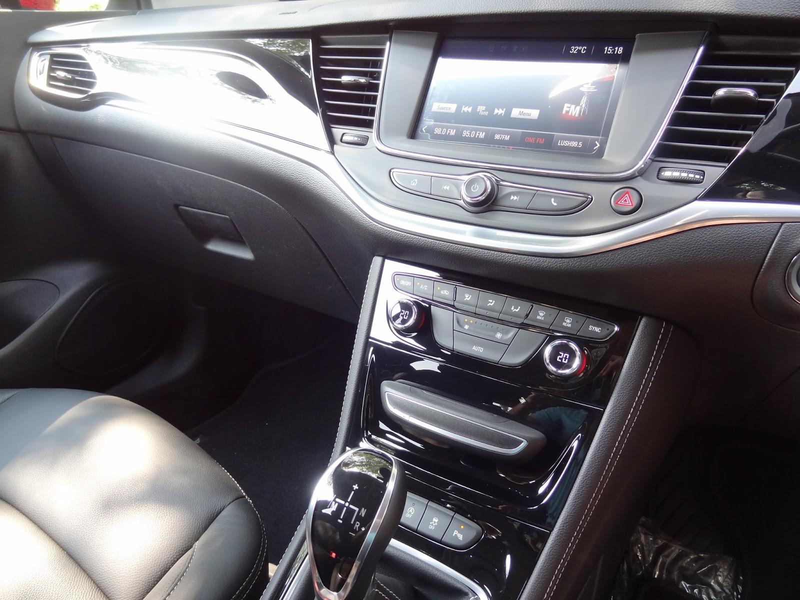 opel astra innovation 5 door hatchback 2016 car review onlywilliam. Black Bedroom Furniture Sets. Home Design Ideas