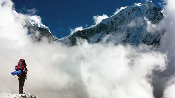 Khi 12 cung hoàng đạo chinh phục đỉnh núi Everest