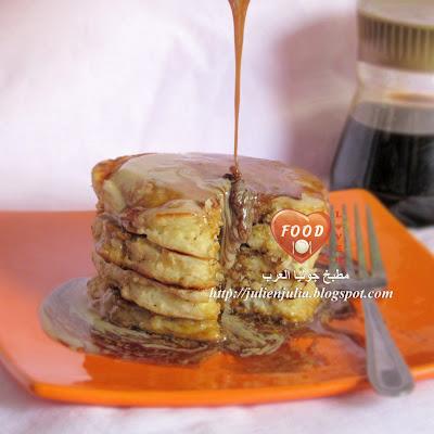 Oatmeal Pancakes with Molasses & Tahini بانكيك الشوفان بالعسل الأسود والطحينة