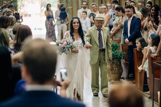 casamento real, sandra e renato, carro da noiva, noiva emocionada, entrada da noiva, brasília