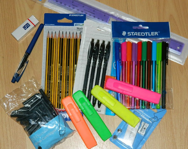 Whats in my school bag school supplies stationary haul