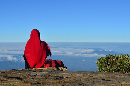 10 Alasan Wanita Enggan Berjilbab dan Jawabannya