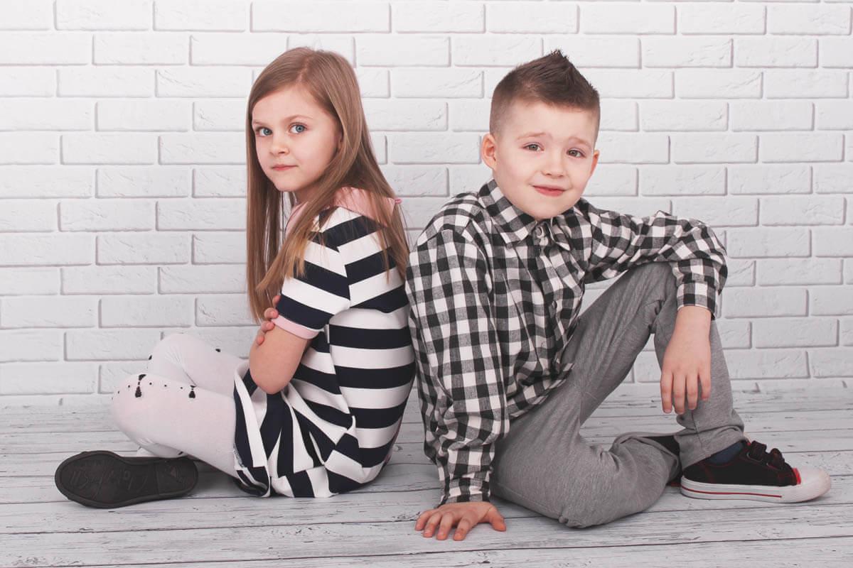 7a5996c584 Jak wybierać ubrania do szkoły dla dzieci  Modne ubrania do szkoły ...