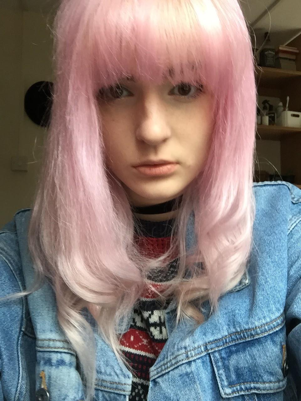 Bleach London Rosé pastel Pink hair