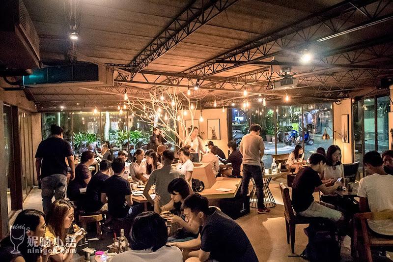 【台北信義區】GUMGUM Beer & Wings 雞翅酒吧。一位難求的炸雞餐酒館