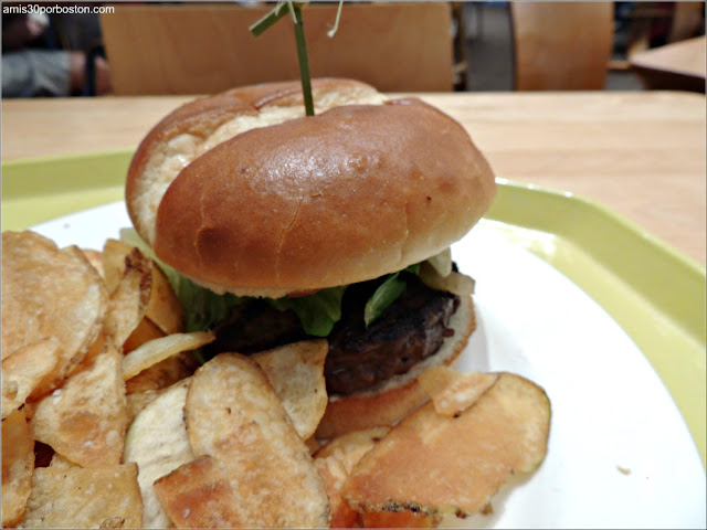 Mitsitan Café: Northwest Coast Burger