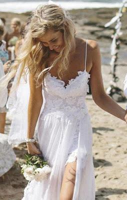 Vestido de Noiva Alcinha e Fenda