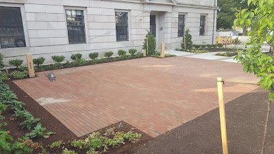 some of the bricks have been  installed. Have you purchased yours yet?