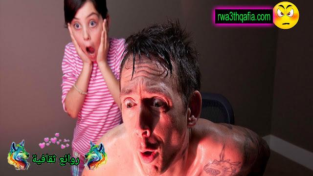 قصة الزوج غارقا في مشاهدة الافلام الجنسية !