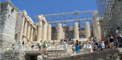 Αναβαθμίζονται οι εγκαταστάσεις στον αρχαιολογικό χώρο της Ακρόπολης