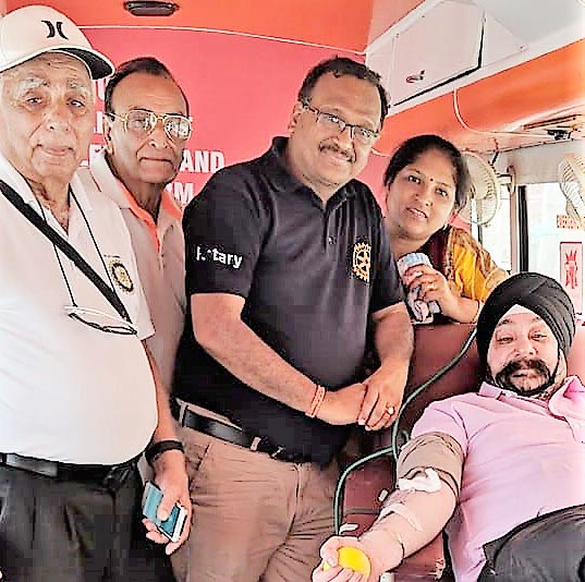 Faridabad Rotary Club NIT organized Blood Donation Camp