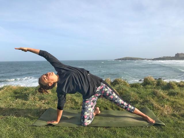 Mỗi ngày một tư thế Yoga | 17 Tư thế cái cổng