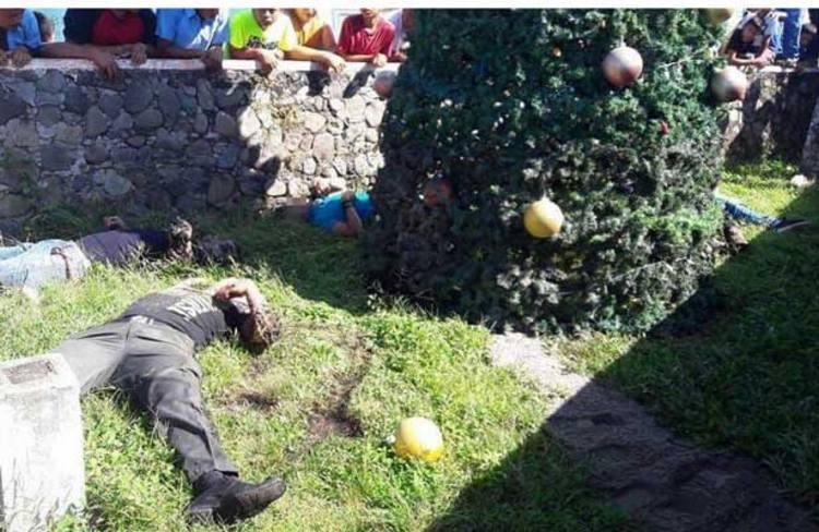 Solitario sicario ejecuta a cinco personas en un Bazar Navideño en el Estado de México
