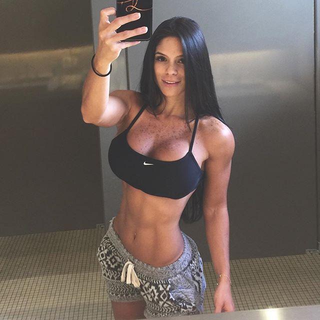 Fitness Model Michelle Lewin michelle_lewin Instagram photos