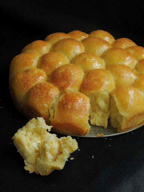 Beehive buns