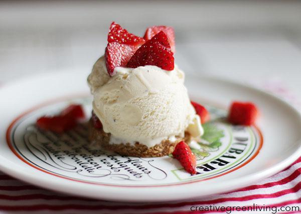 Strawberry Shortbread with Ice Cream