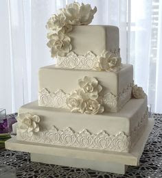 square wedding cakes with lace