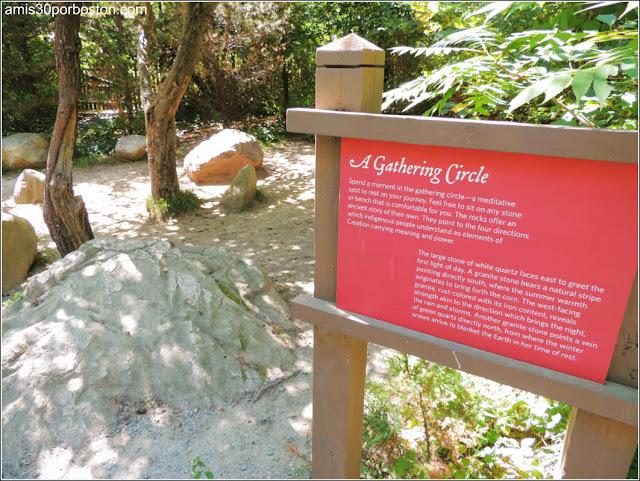 Wampanoag Homesite en la Plimoth Plantation: A Gathering Circle