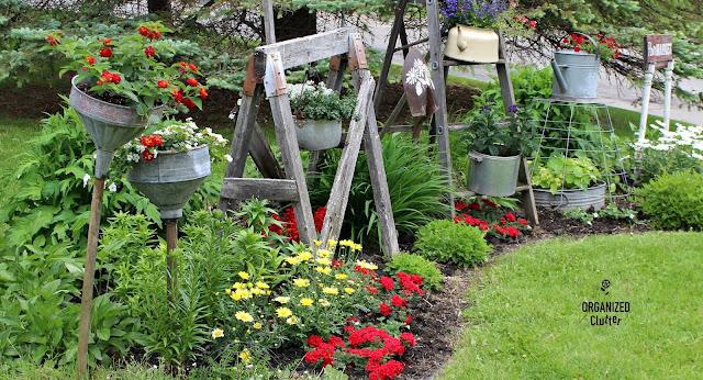 A Junk Garden Border Planting Diagram #annuals #perennials #lilies #junkgarden #gardenjunk #containergarden