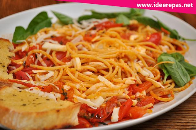spaghettis à la tomate fraîche