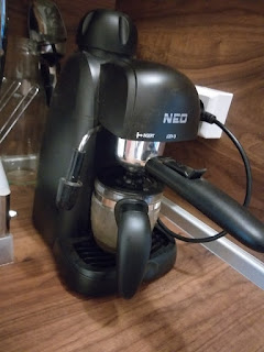 NEO ES-30 budget coffee machine