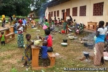 Refugiados en iglesia en República Centroafricana