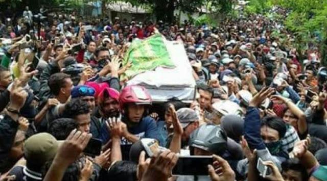 foto pemakaman santoso