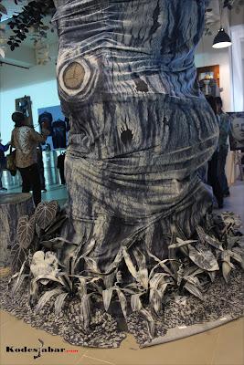 Kreasi pohon dari bahan Denim