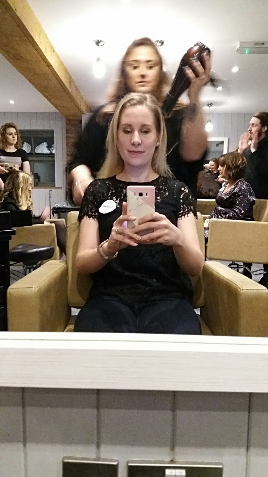 Flat_Hair_Selfie_at_Anthony_John_Salons