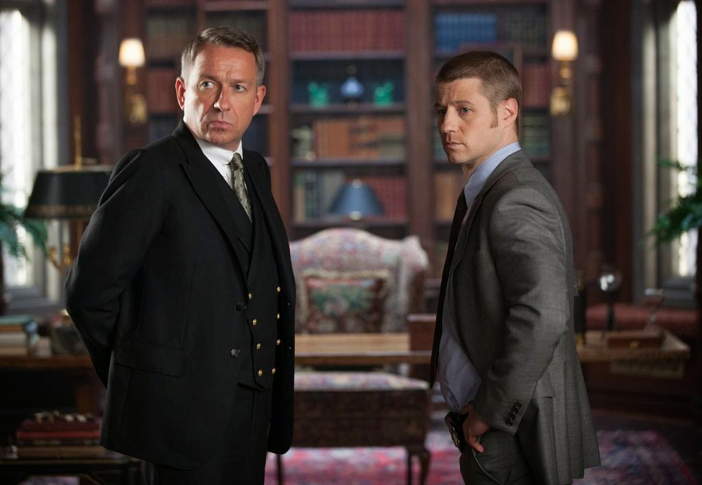 Sean Pertwee as Alfred Pennyworth with Ben McKenzie as Detective James Gordon in Fox Gotham Season 1 Episode 2 Selina Kyle