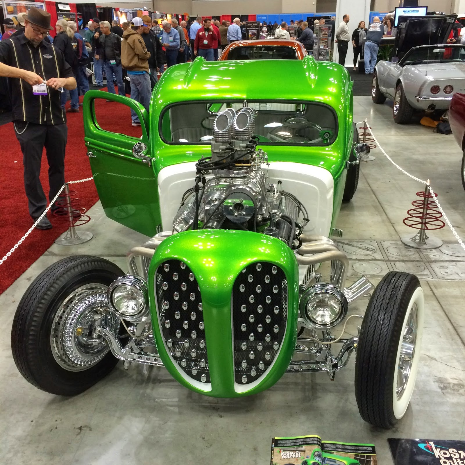 Covering Classic Cars : Hot Rod & Restoration Trade Show