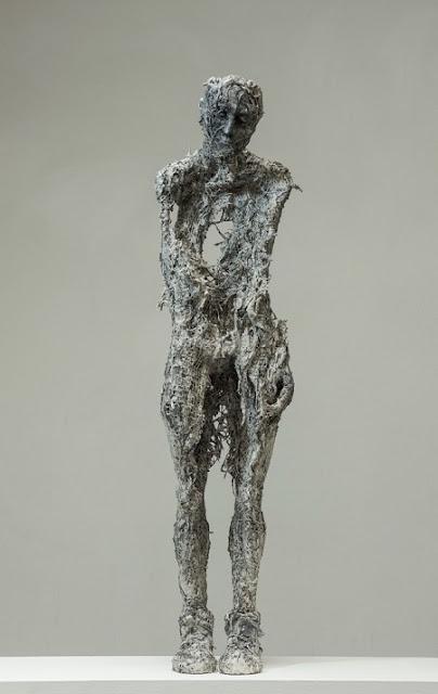 "Anna Gillespie, ""Poor Dear"" - plaster, resin, mixed media   obras de arte, esculturas figurativas tristes, art pictures, imagenes bellas, sculptures"