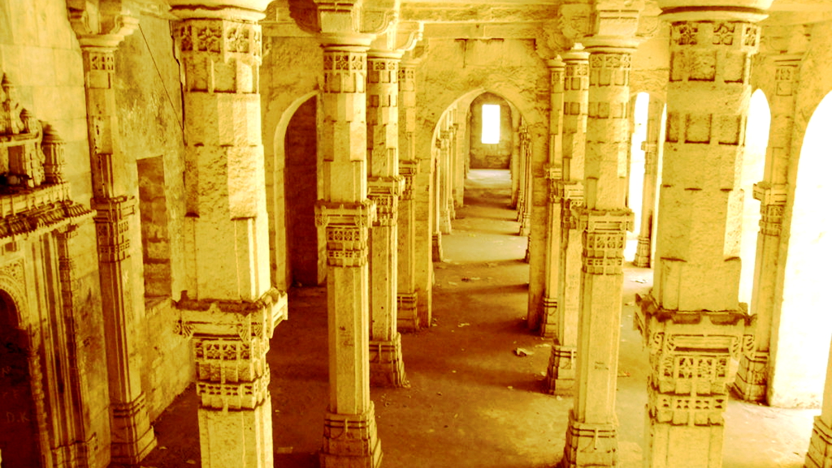 The spooky uparkot fort junagadh gujarat - The Historical Town Of Junagadh Has An Ancient Building Called The Uparkot Fort Many People Have Experienced Paranormal Activities Taking Place In This
