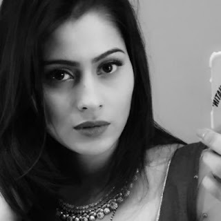 Aparna dixit instagram, biography, images, facebook, hot, navel, wiki, fb, husband, family, twitter, photos, age