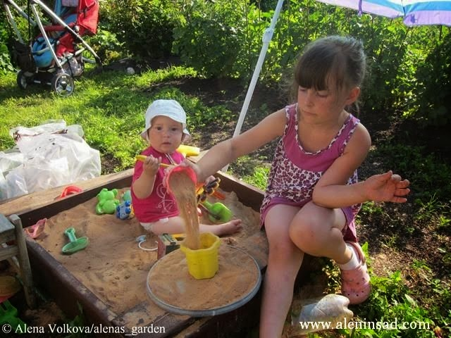 песочница, сад, огород, дети, спанбонд, лутрасил, агроволокно, агротекс, нетканый материал, против сорняков, использование в огороде