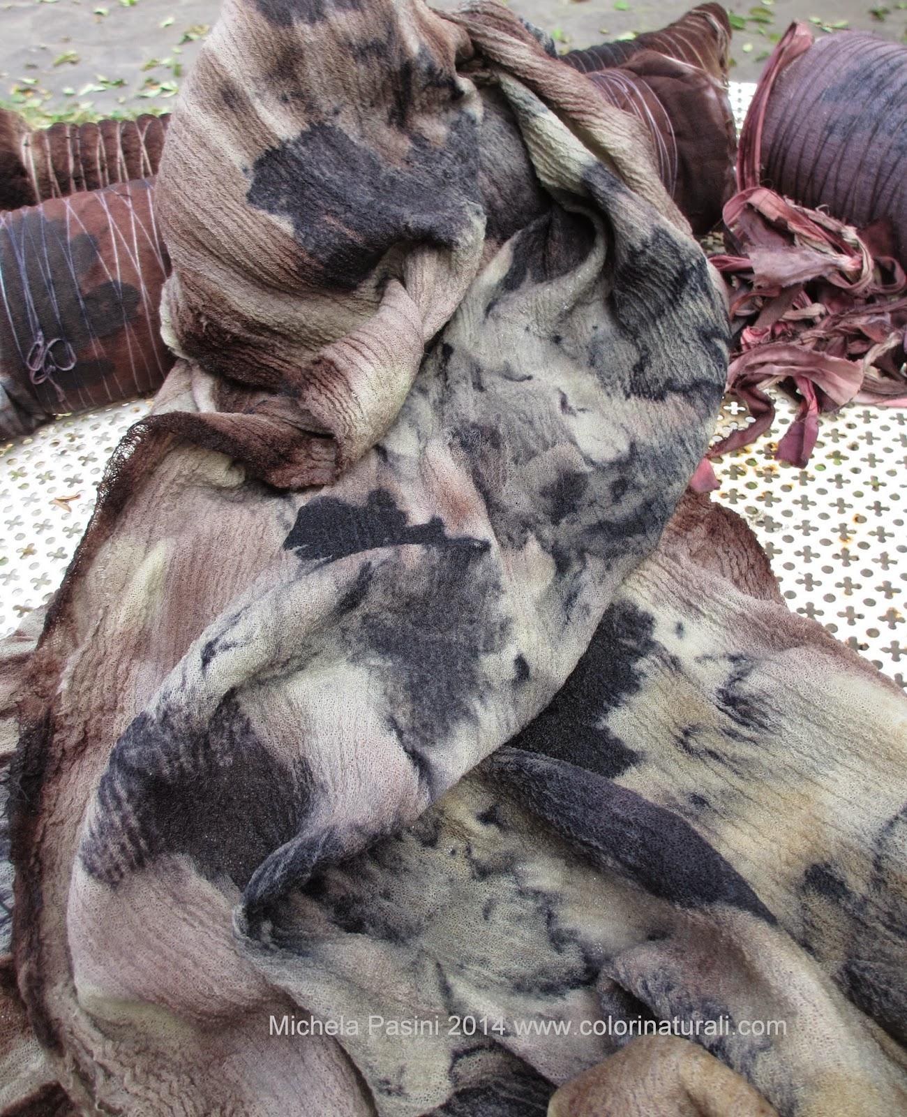 abbigliamento tintura naturale ecoprint ecoprinting