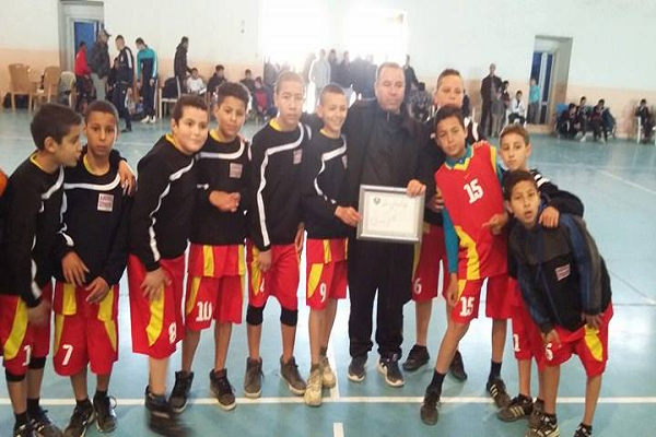 مدرسة كرة السلة بعين مران .. جهود تبذل رغم شح المساعدات
