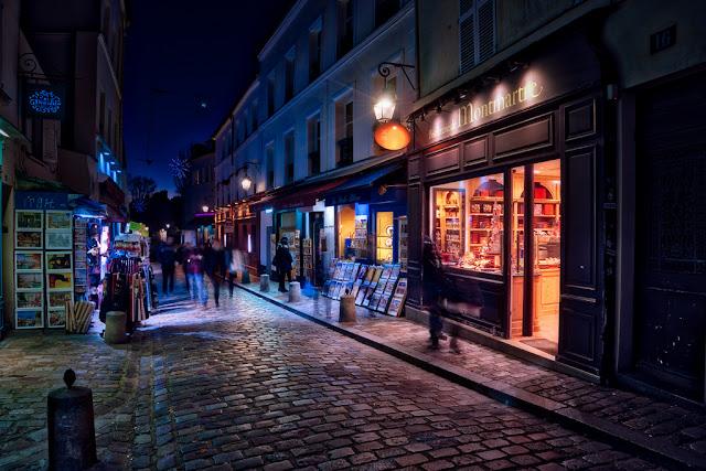 Montmartre z przewodnikiem po Paryżu