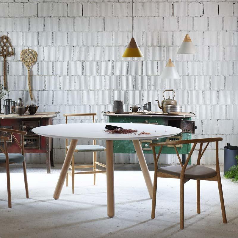 tavolo da pranzo dal design semplice