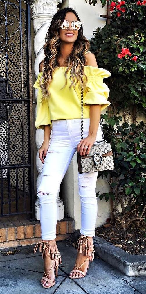 beautiful outfit idea: top + white rips + heels + bag